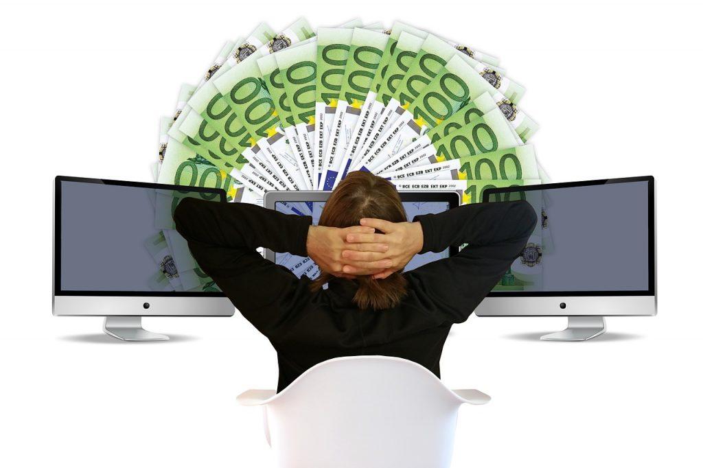 Geld bequem online verdienen.